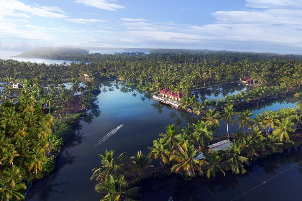 Hire a car and driver in Munroe Island