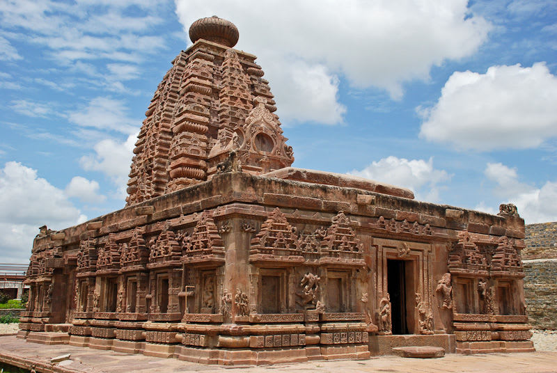 Hire a car and driver in Alampur