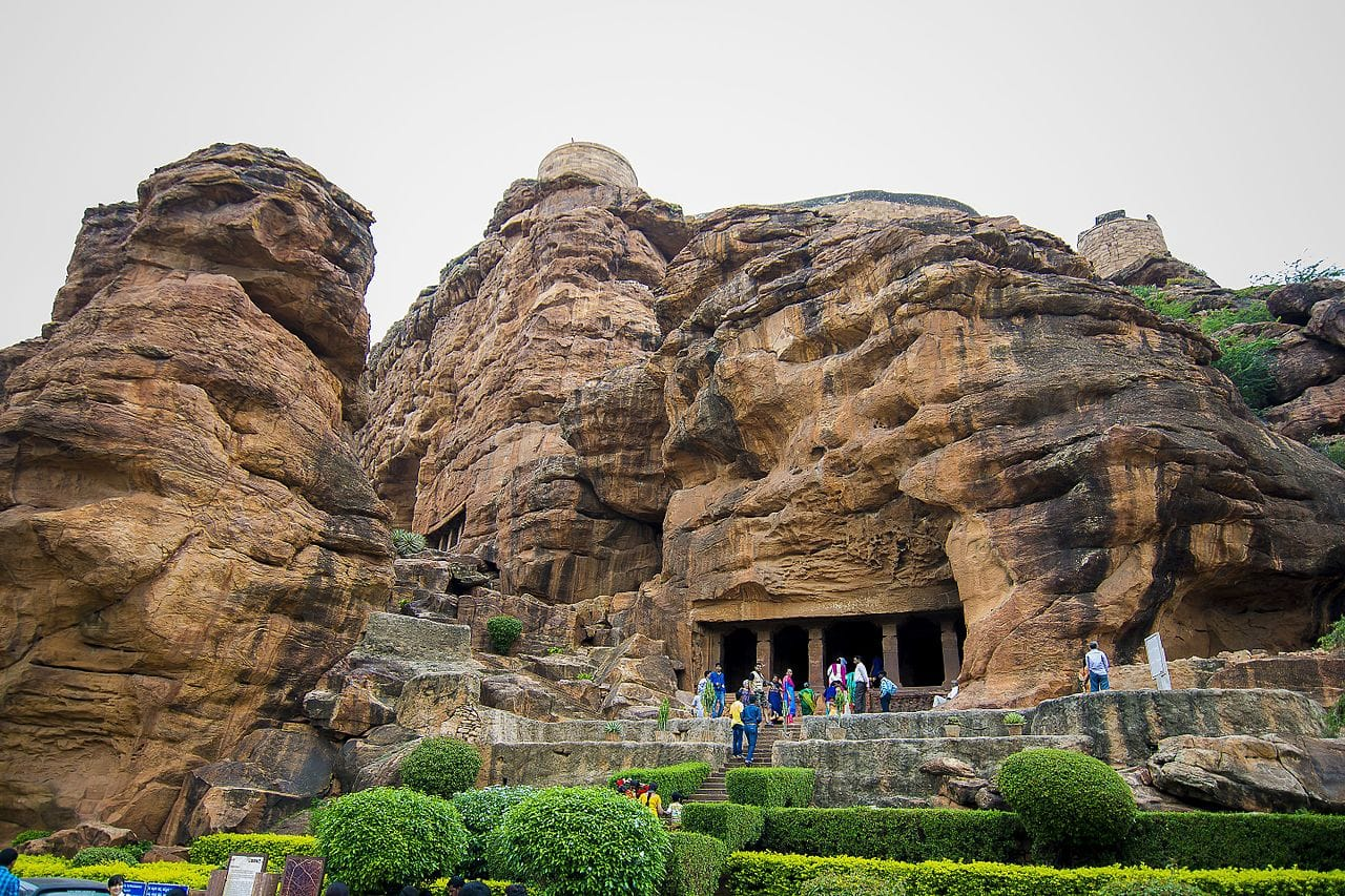 Hire a car and driver in Badami