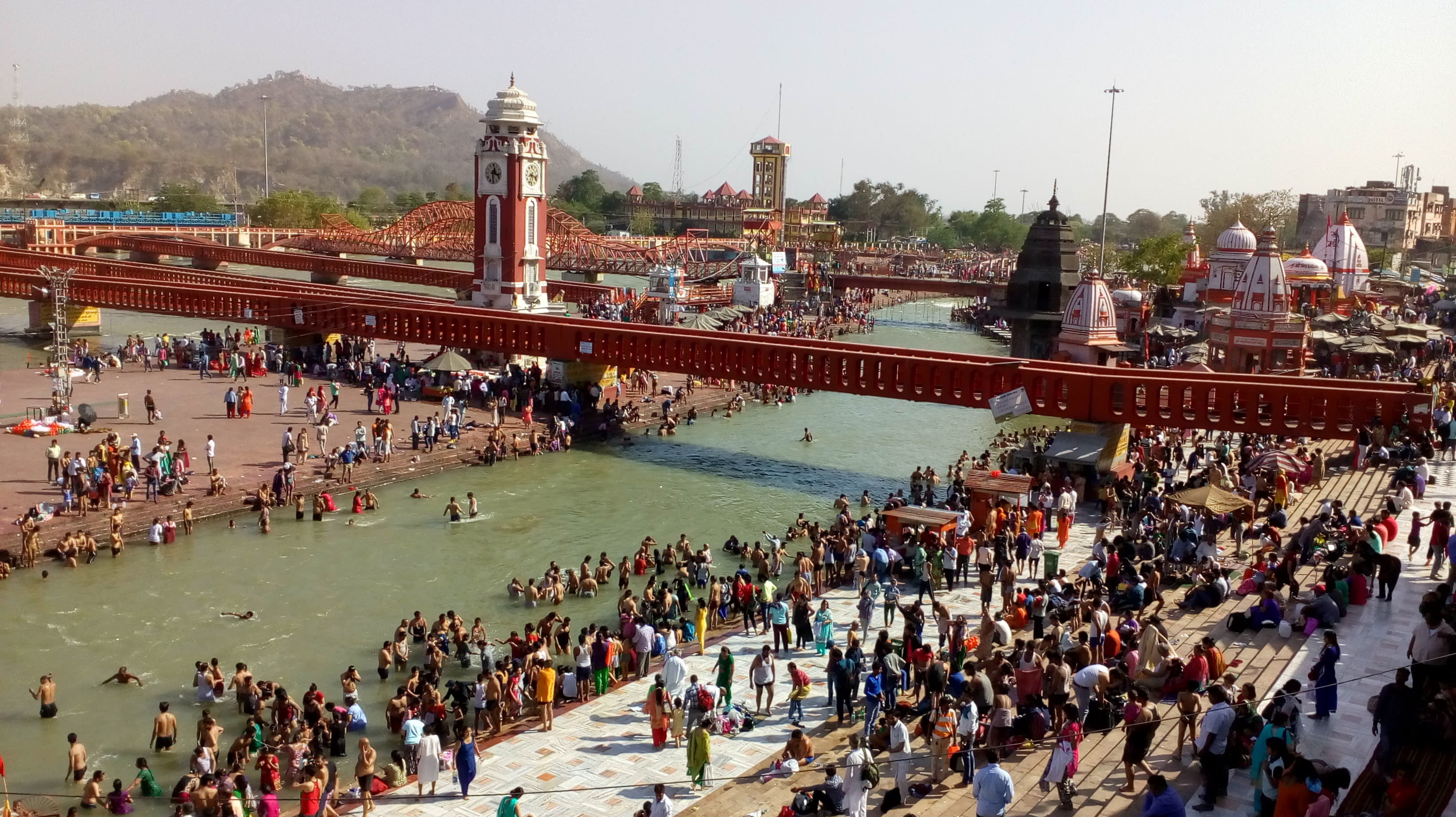 Hire a car and driver in Haridwar