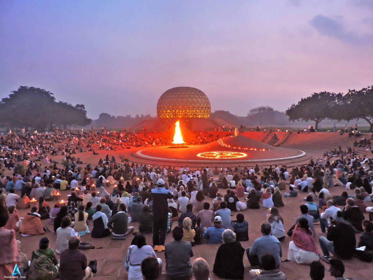 Hire a car and driver in Auroville