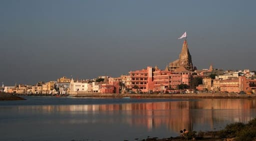 Hire a car and driver in Dwarka