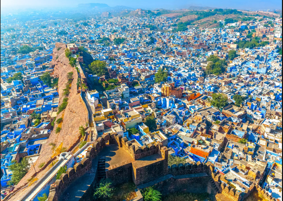 Hire a car and driver in Jodhpur