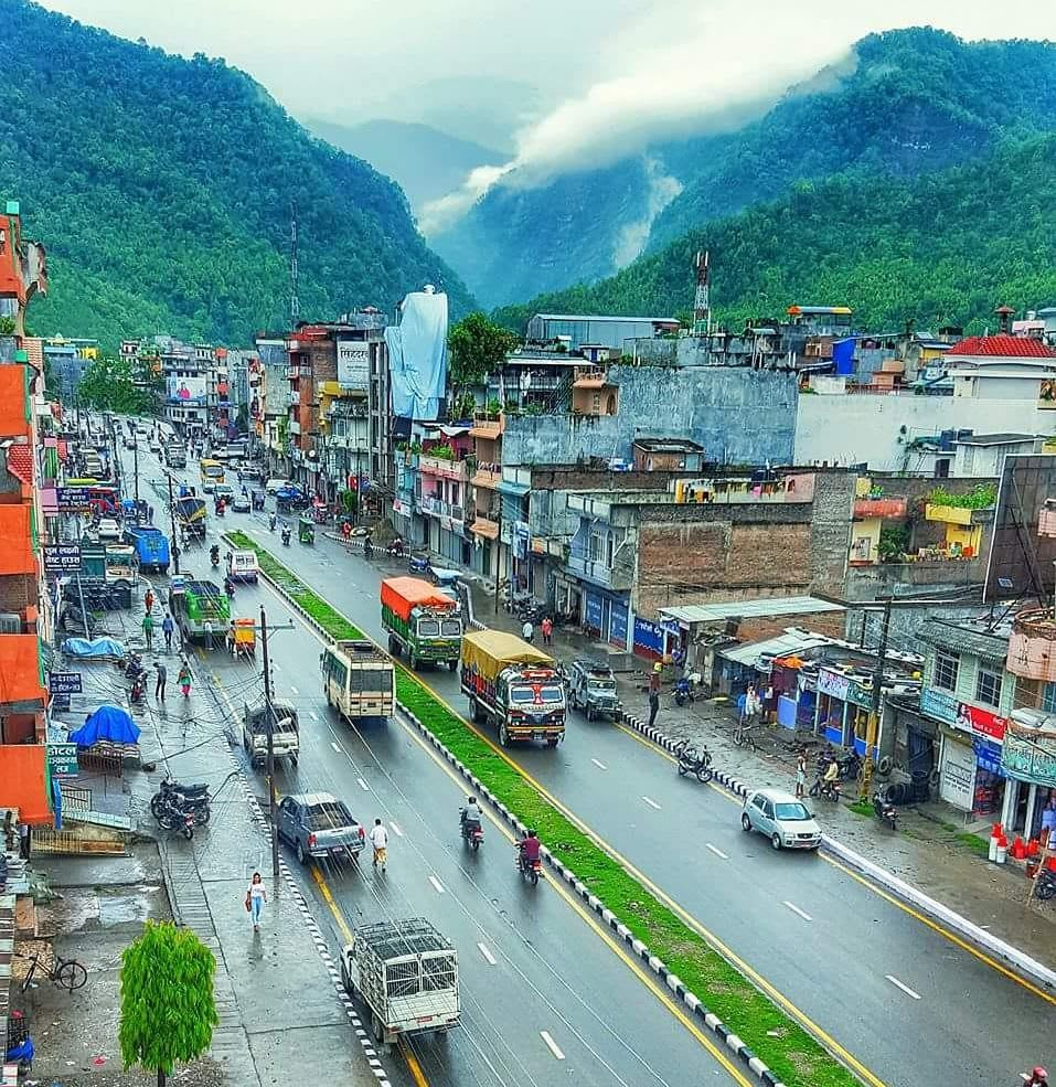 Hire a car and driver in Lahan