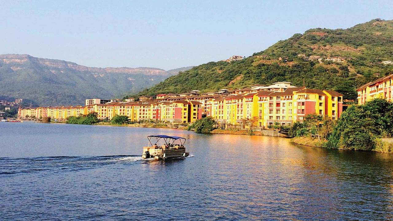 Hire a car and driver in Lavasa