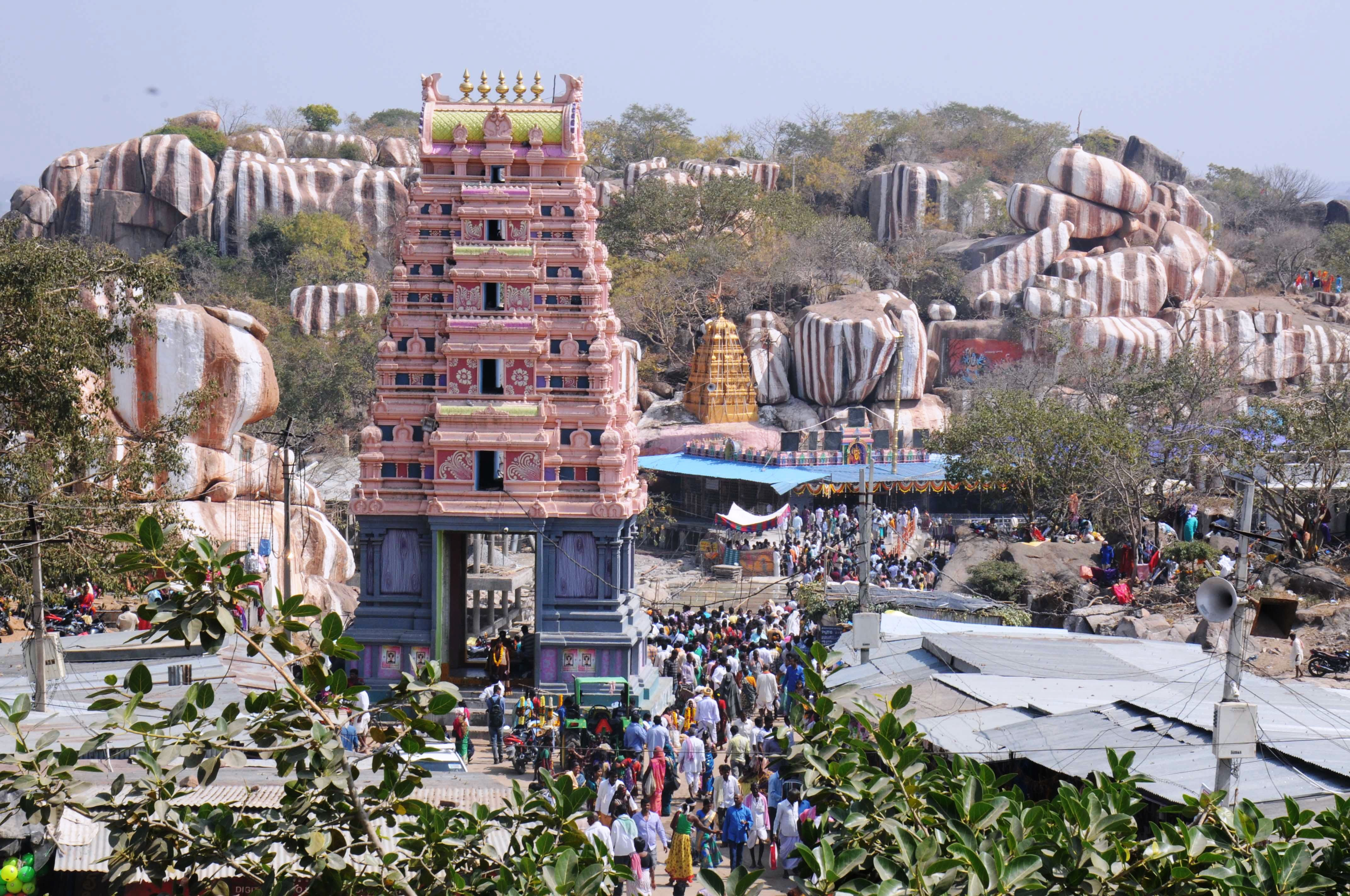 Hire a car and driver in Medak