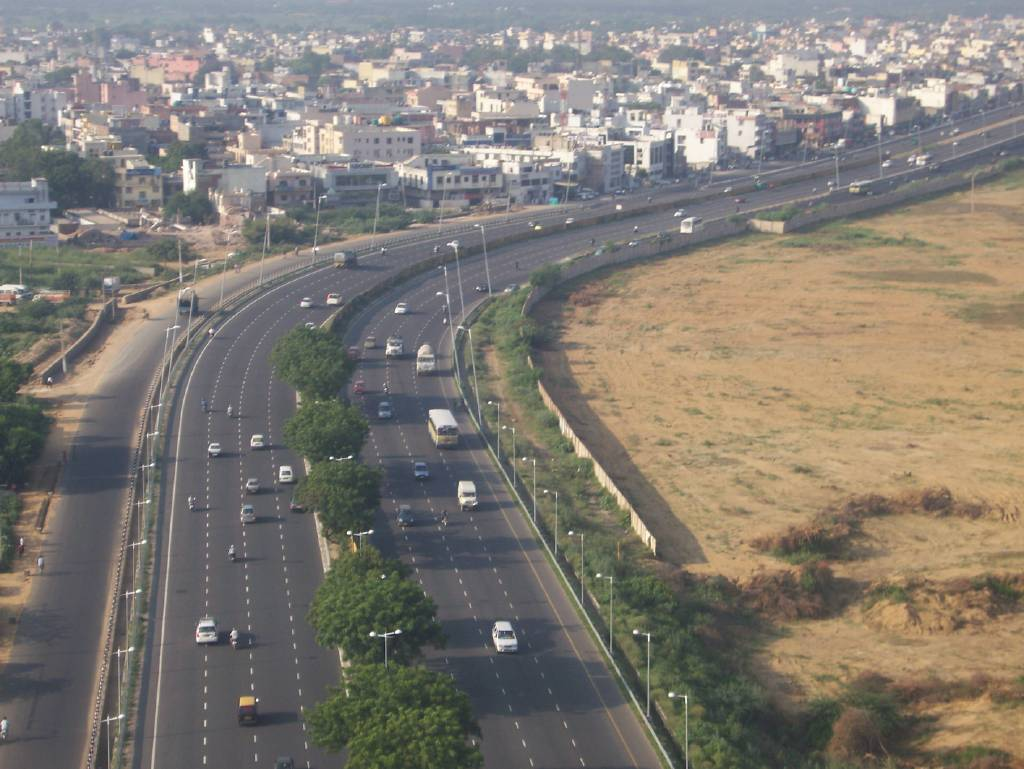 Hire a car and driver in Meerut