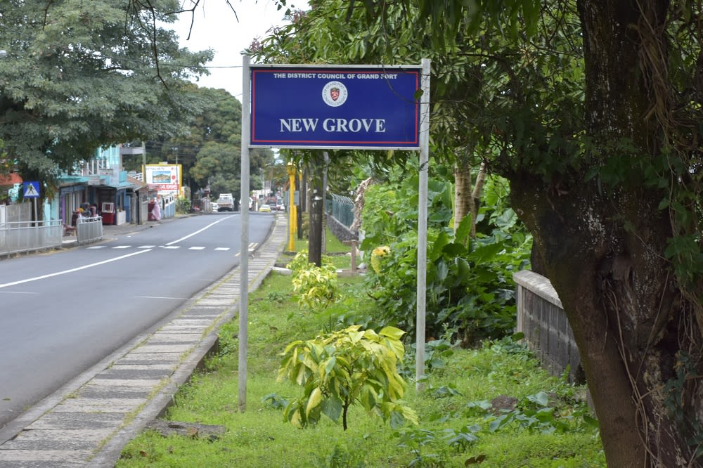 Hire a car and driver in New Grove