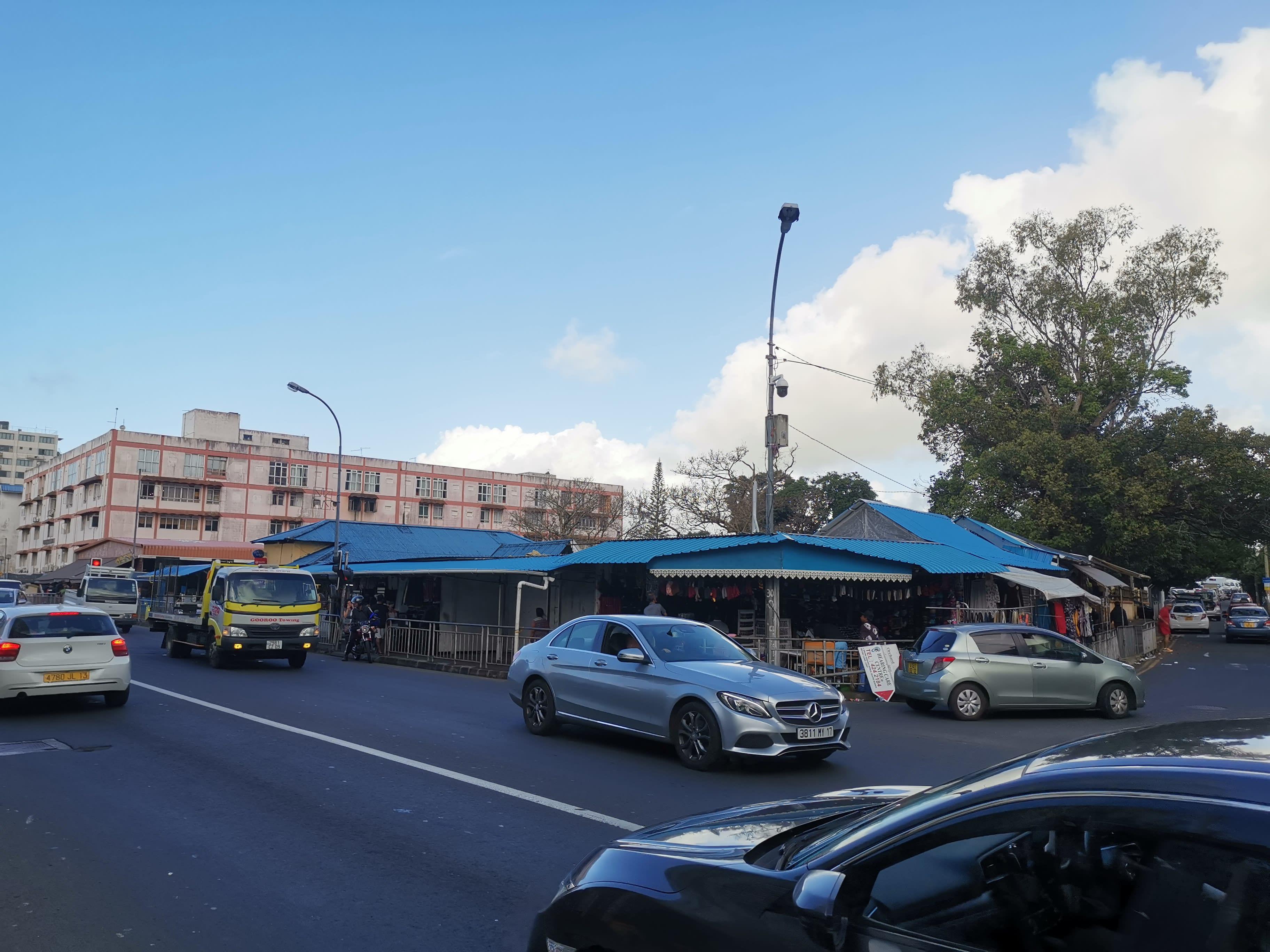 Hire a car and driver in Quatre Bornes