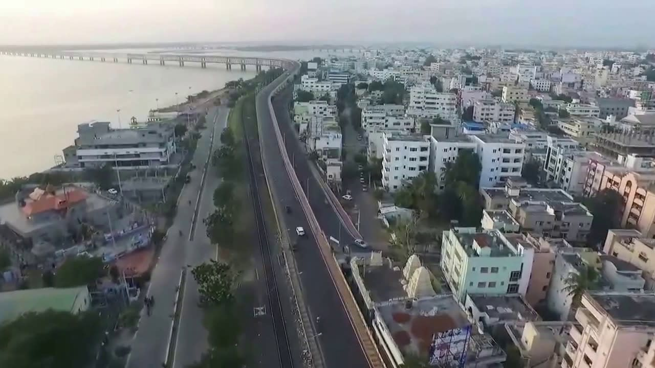 Hire a car and driver in Rajahmundry