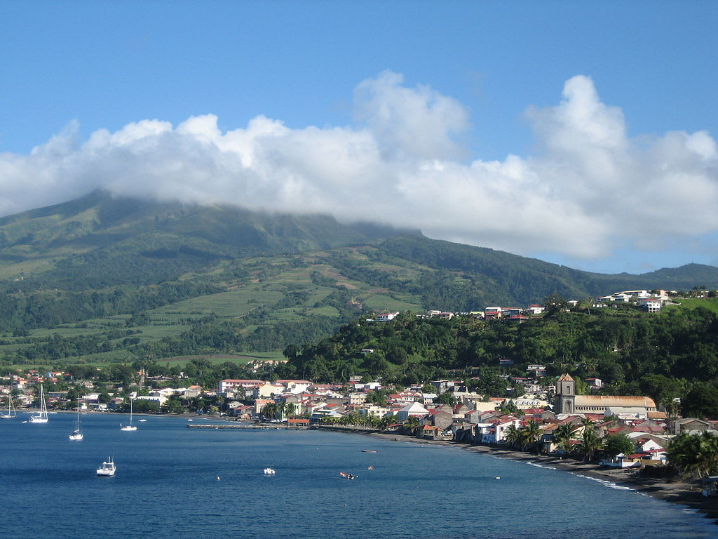 Hire a car and driver in Saint Pierre
