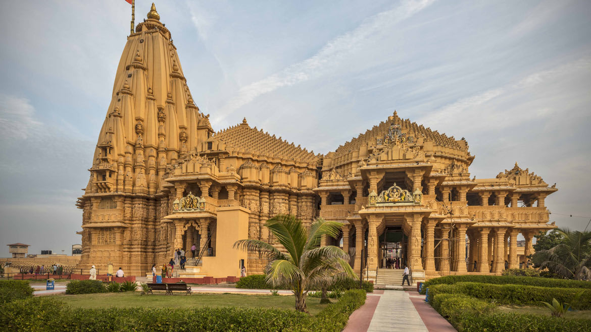 Hire a car and driver in Somnath