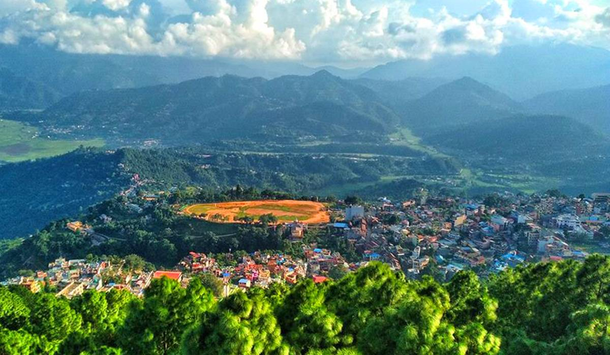 Hire a car and driver in Tansen