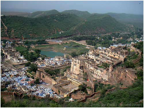 Hire a car and driver in Ajmer