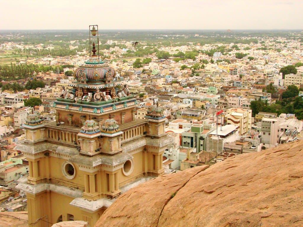 Hire a car and driver in Tiruchirappalli