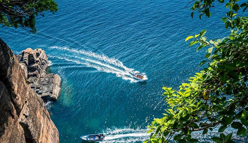 Hire a car and driver in Trincomalee