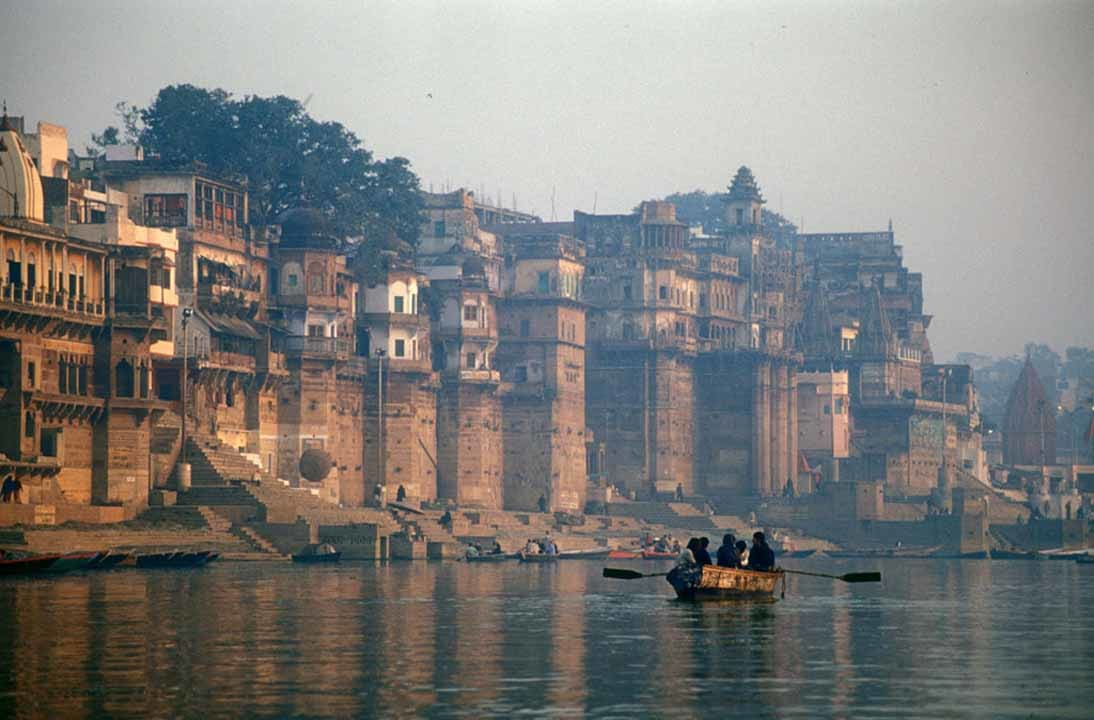 Hire a car and driver in Ayodhya