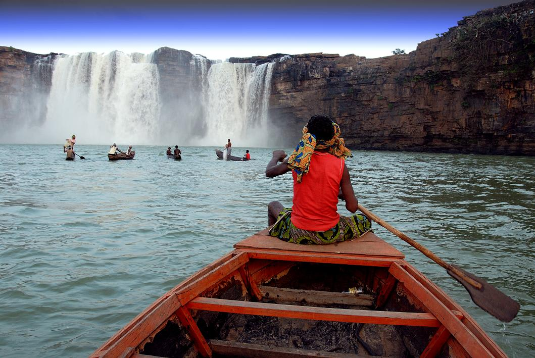 Hire a car and driver in Chitrakoot