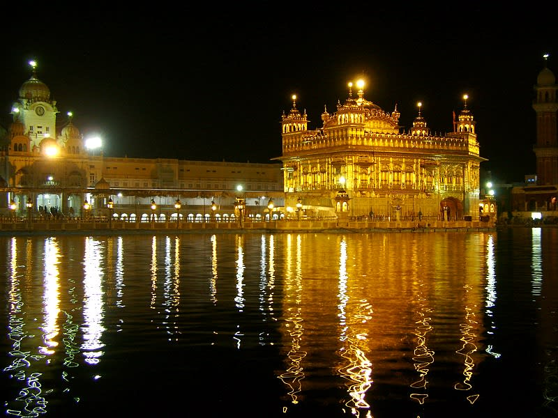 Hire a car and driver in Amritsar