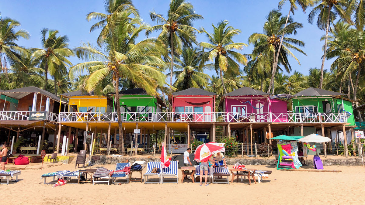 Hire a car and driver in Goa