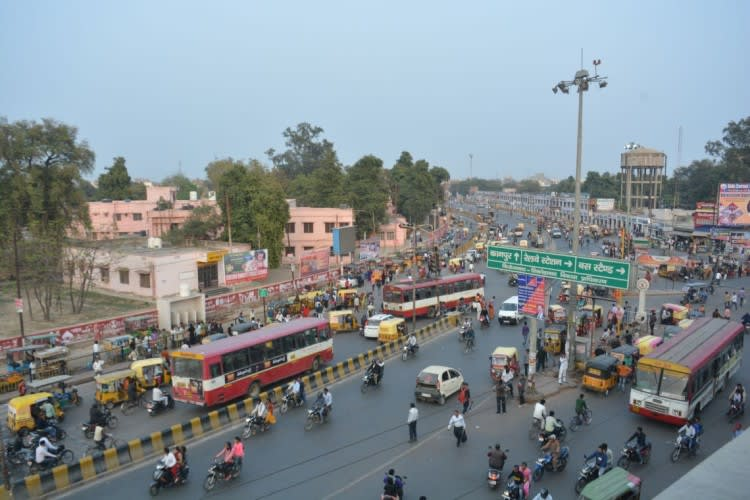 Hire a car and driver in Firozabad