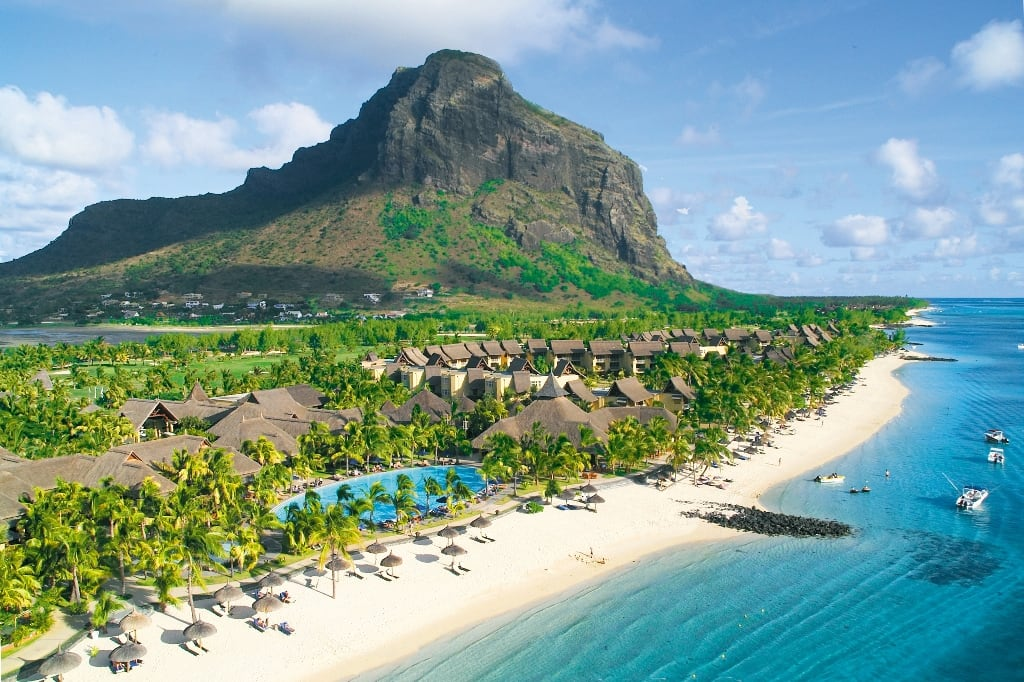 Hire a car and driver in Mauritius