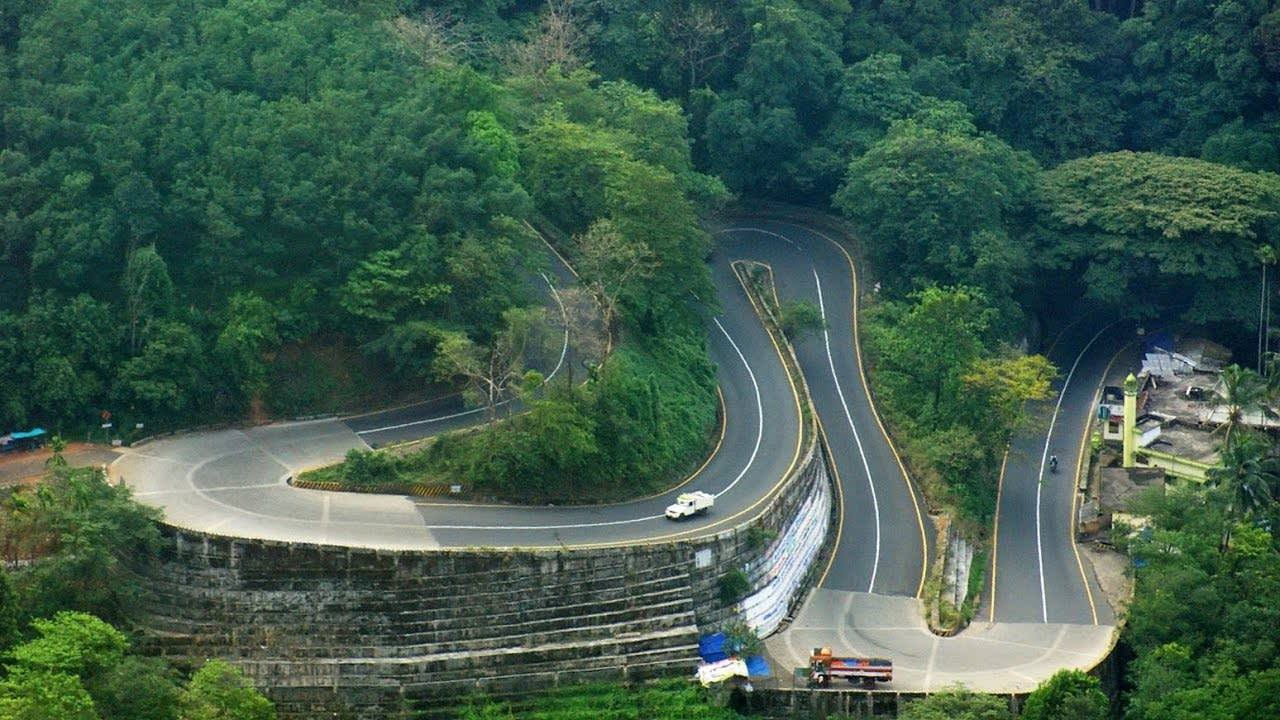 Hire a car and driver in Wayanad