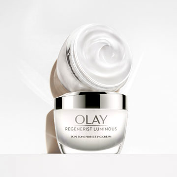 Olay Regenerist Luminous Moisturiser For Glowing Skin, 50ml