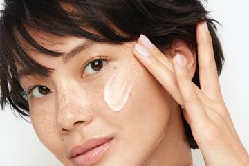 The causes of dry and flaky skin on your face