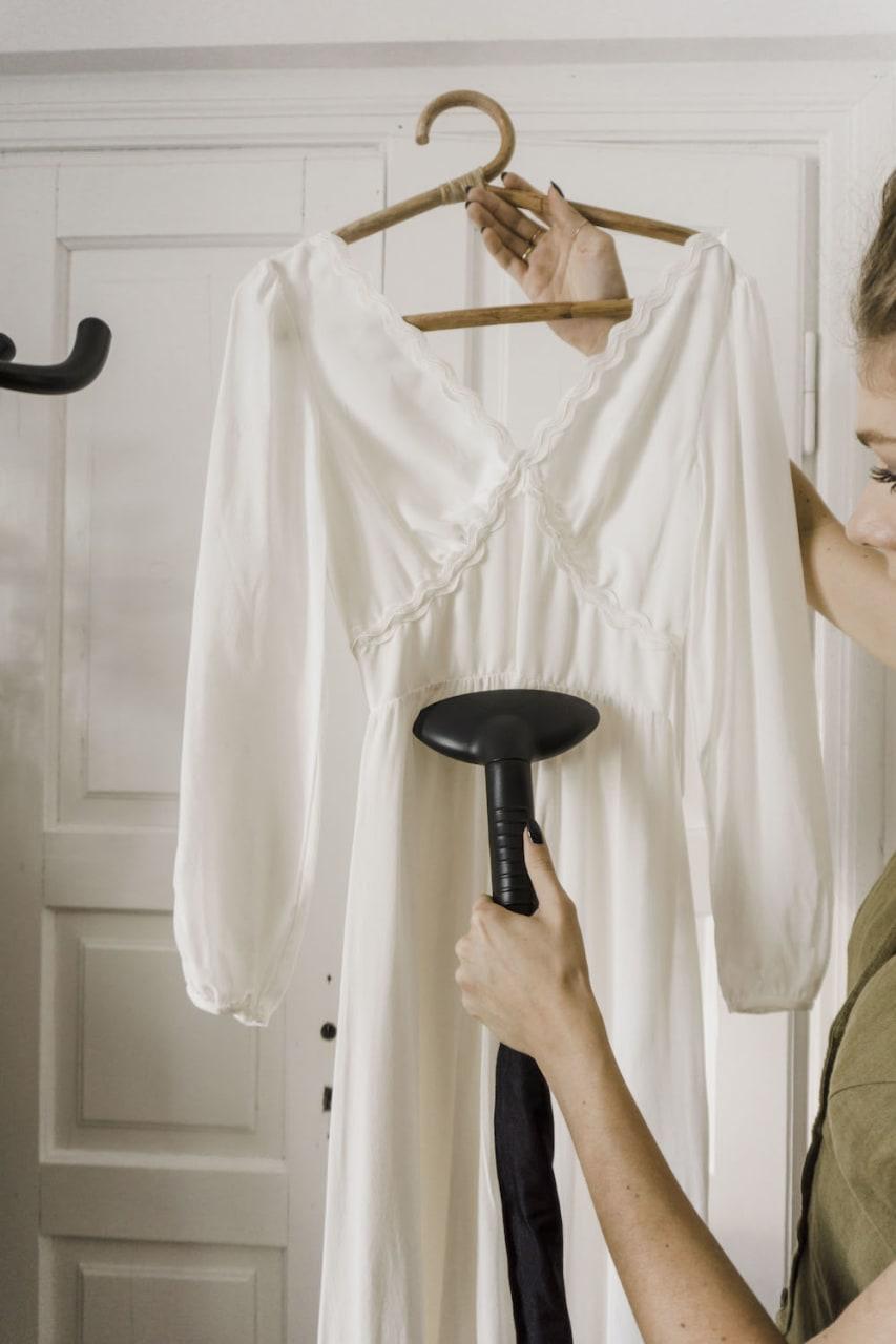 Prasowanie sukni weselnej z parownicą setamaster