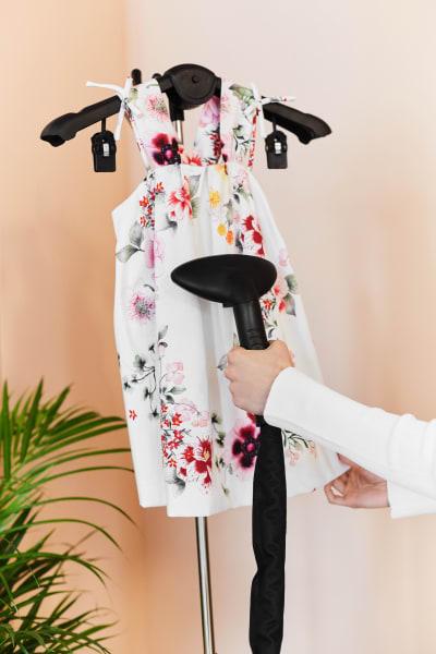 prasowanie sukienki poliestrowej