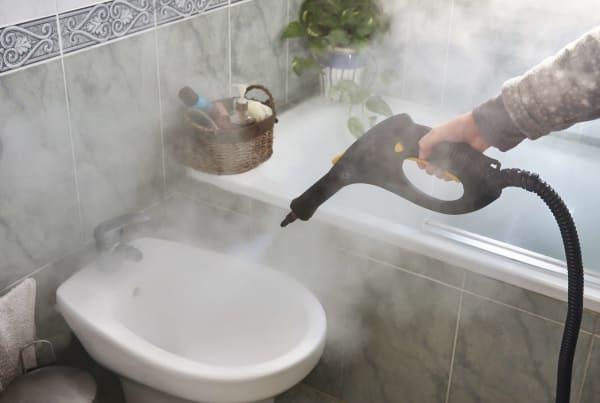 parowe czyszczenie łazienki