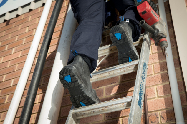 Hobart Black Mens Ladder