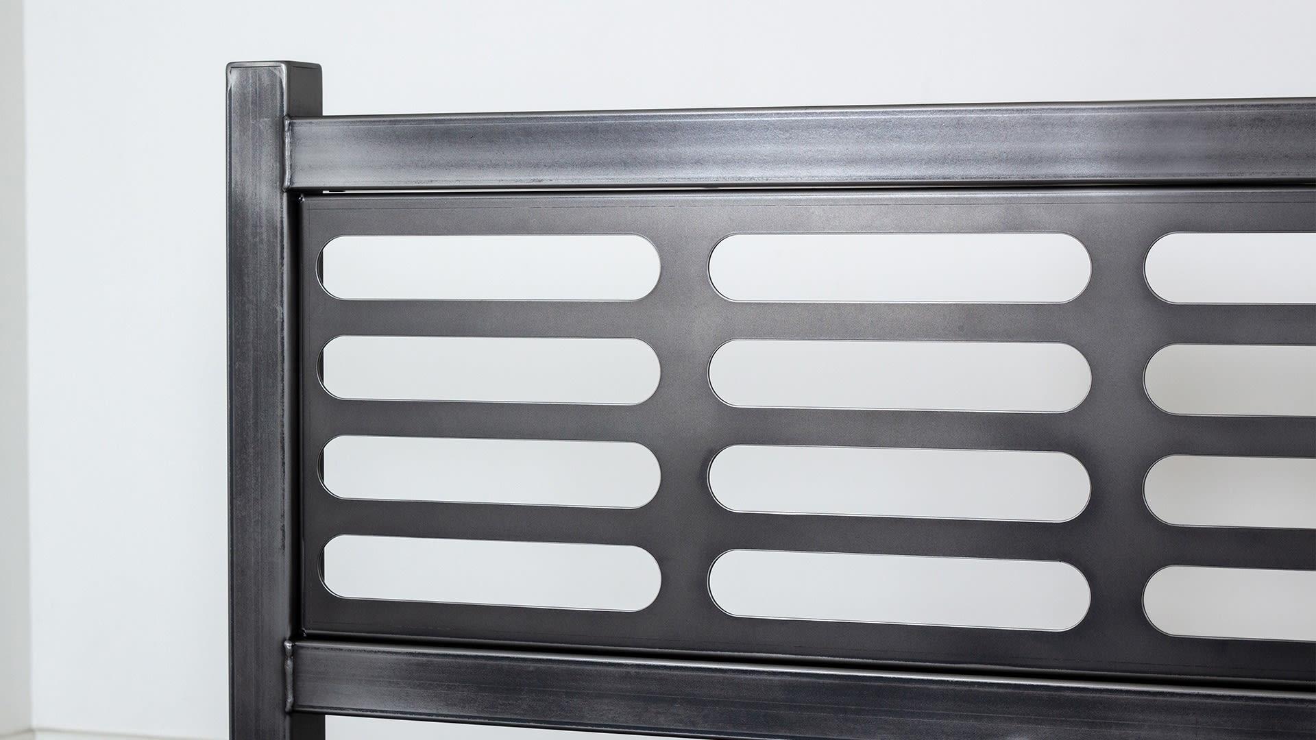 Steel Vintage Bed V3