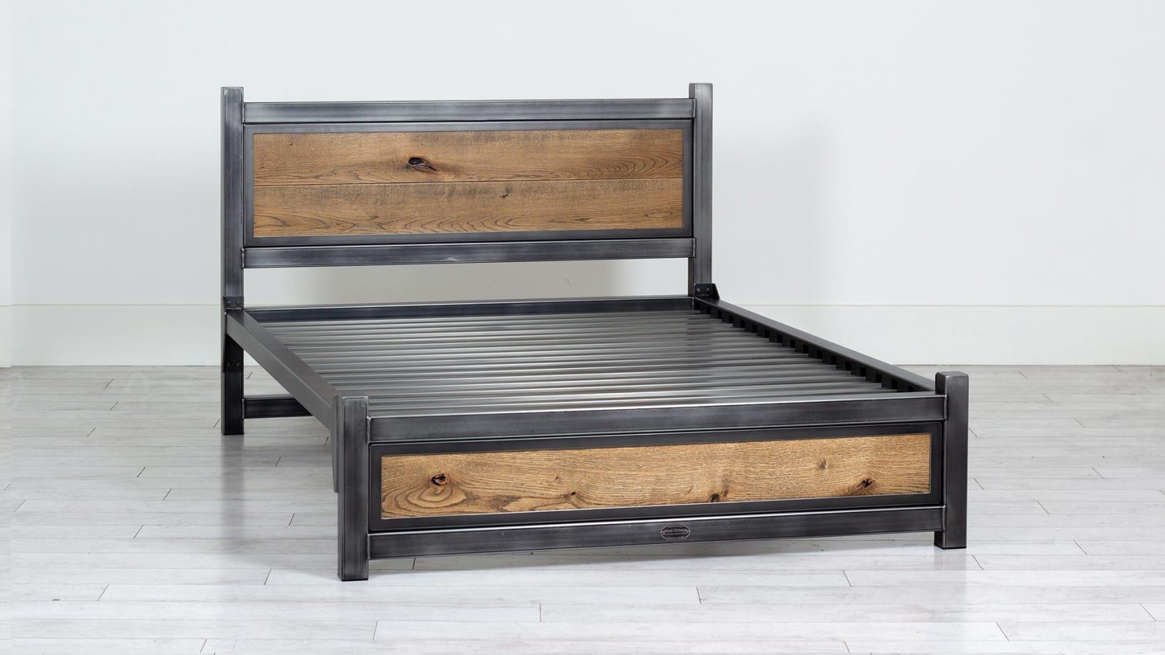 Steel Vintage bed V5