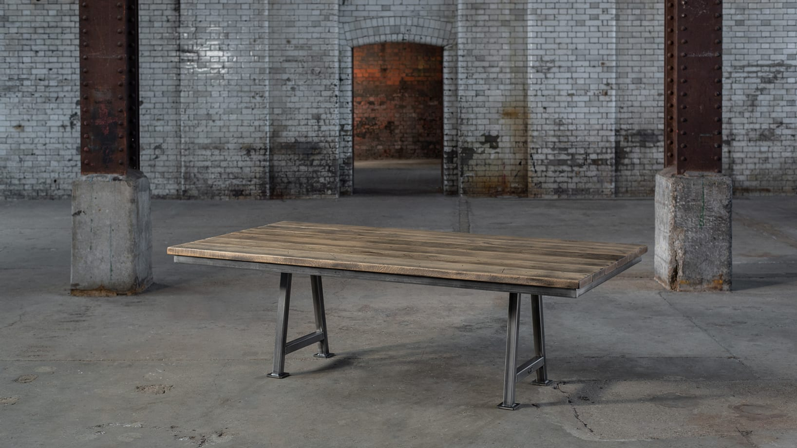 SV-ARCHITECTS-TABLE-PS-001