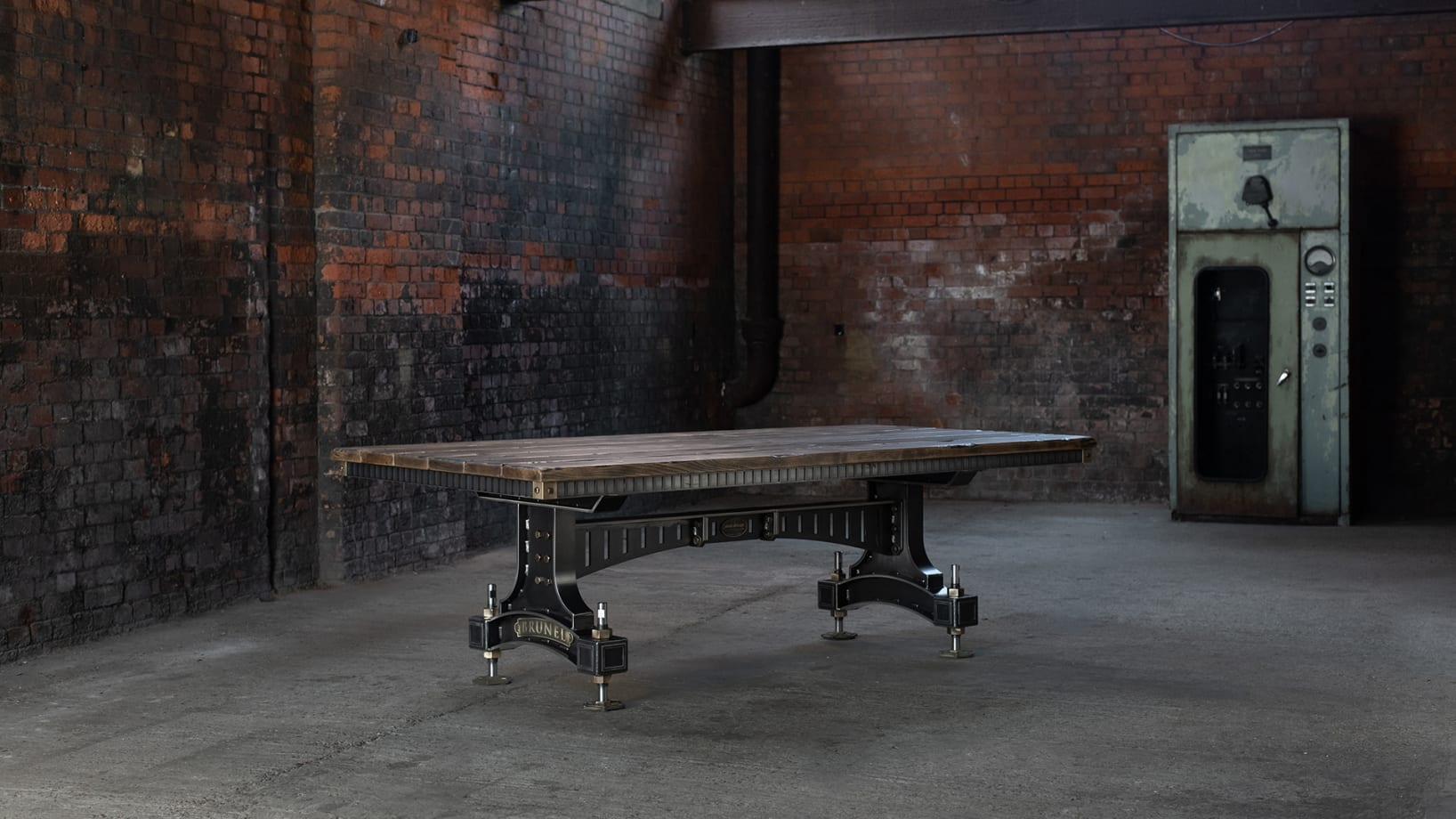 SV-BRUNEL-TABLE-PS-001