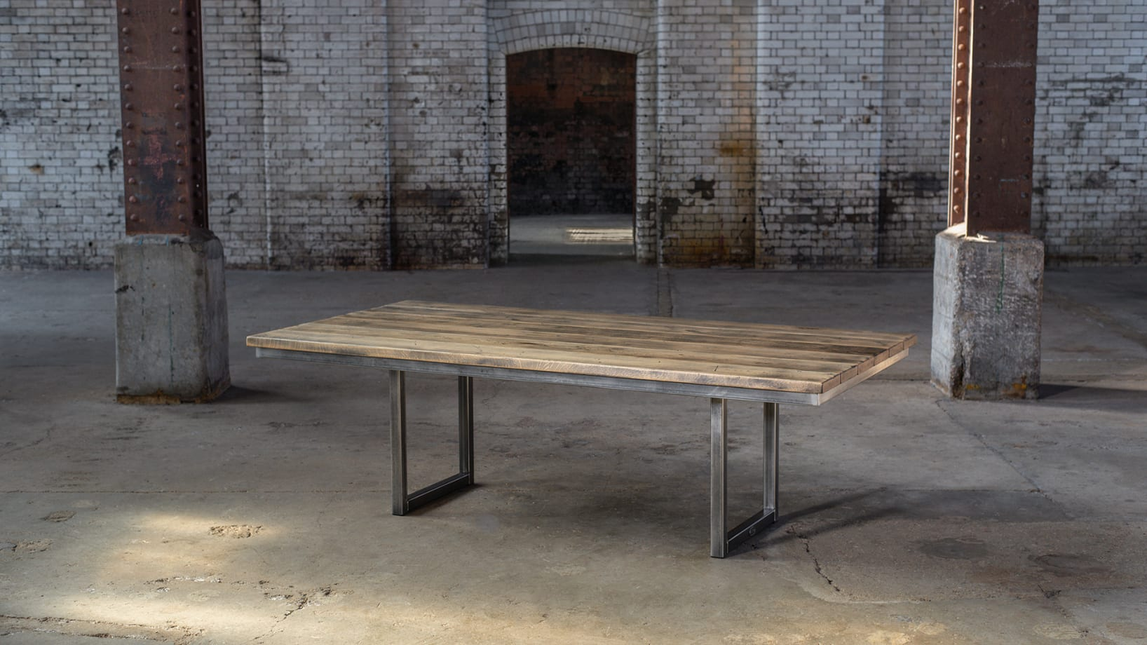 SV-BLACKSMITHS-TABLE-PS-001