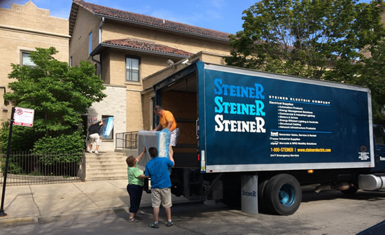 Steiner delivers donations to greater Chicago homeless shelters