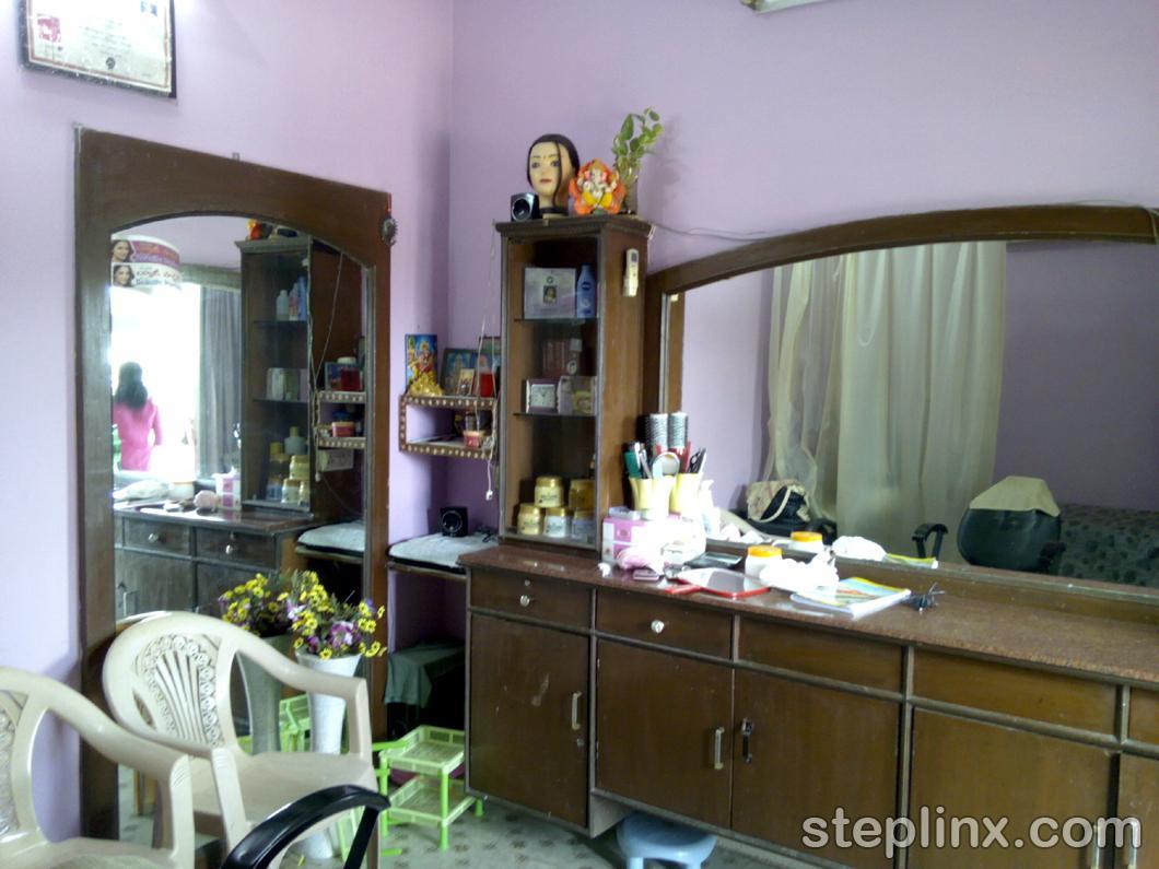 Yuvathi Beauty parlour
