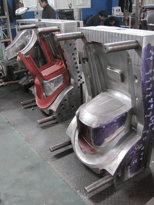 Plastic Chair Mould manufacturer in China with back insert