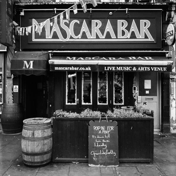 Mascara Bar
