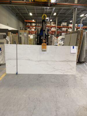 white marble Calacatta Gold