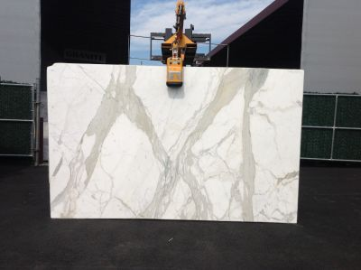 gold, white marble CALACATTA GOLD EXTRA