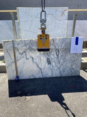 gray, white marble Corchia Whitr