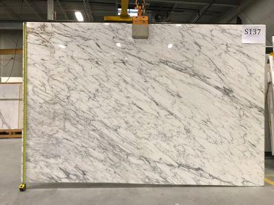 gold, gray, white marble Calacatta Tucci