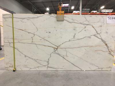 gray, white marble Calacatta Statuary Gold