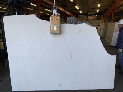 tan limestone White Limestone 3cm