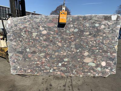 red granite Aquarious 3cm