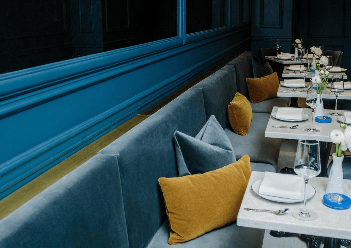 Banquette & Pillows + Huso